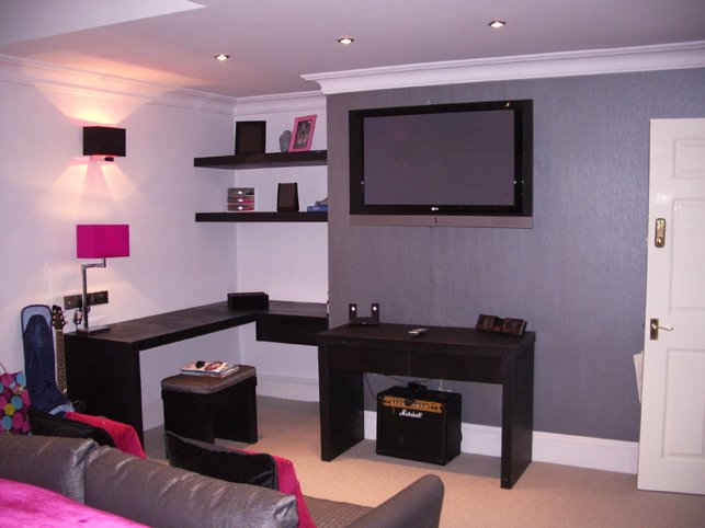 Wooden fitted beroom