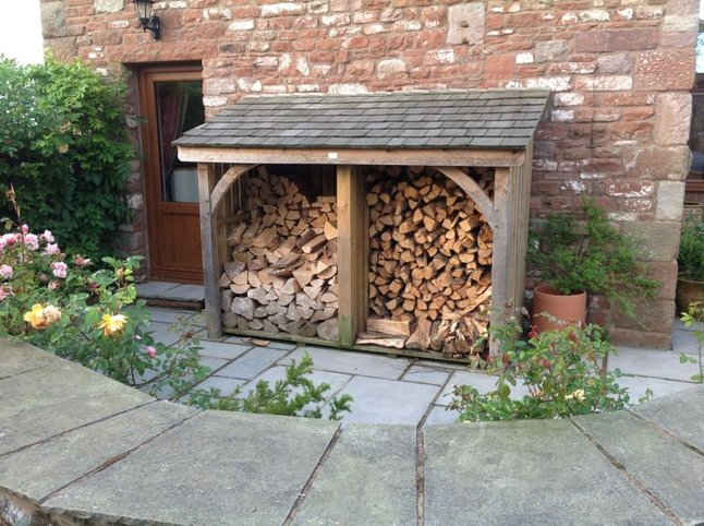 Outdoor Log Store