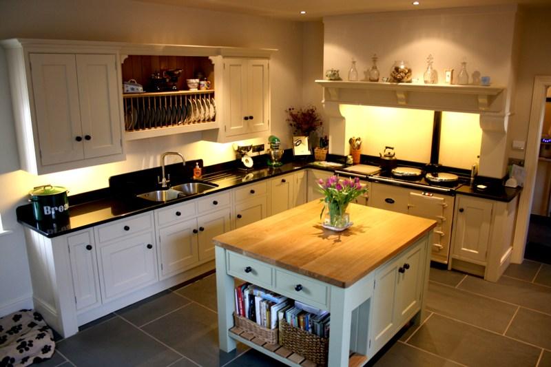 Organising kitchen island